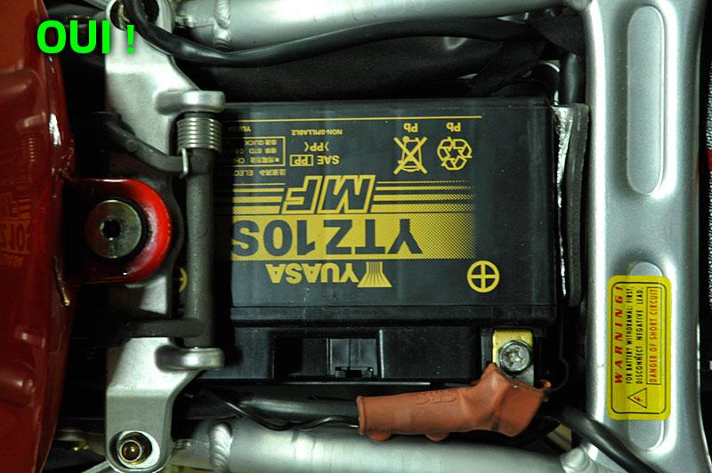 batterie moto branche a l'envers